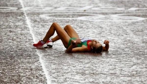 pinchar en un maratón