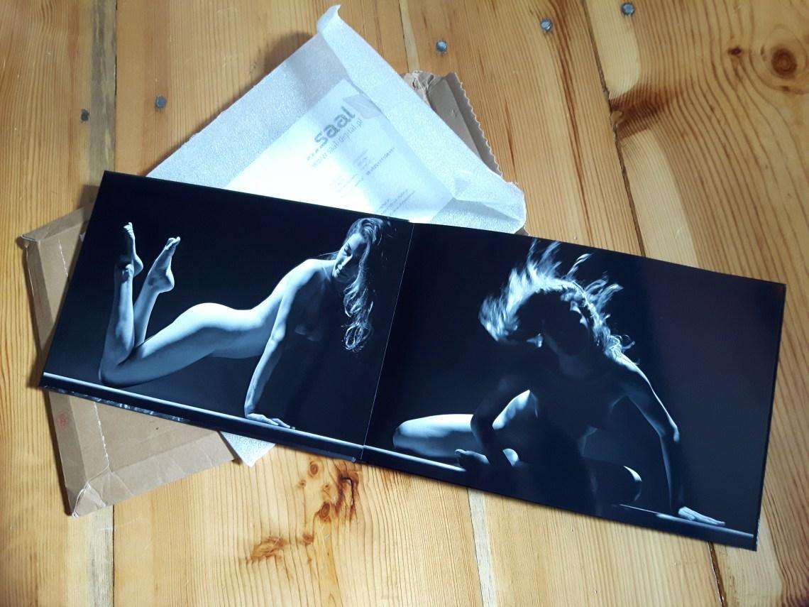 Prywatne akty fotograficzne w pięknym albumie