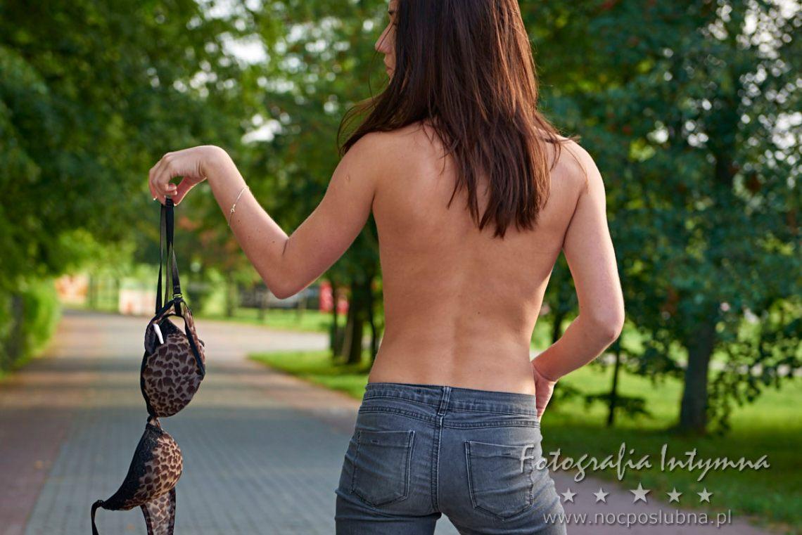Akty kobiece w plenerze - autor zdjęcia Maciej Ziegler