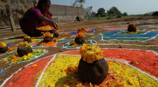 Did You Miss It!!! The Makar Sankranti Festival 2015 (Sanskrit: मकर संक्रान्ति | Telugu: మకర సంక్రాంతి | Tamil: தை பொங்கல் ) via @aajtak #NoCriticsJustArtists