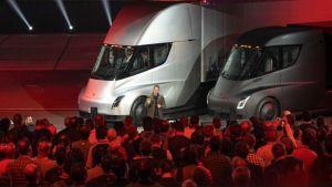 foto nuevo camion electrico tesla semi
