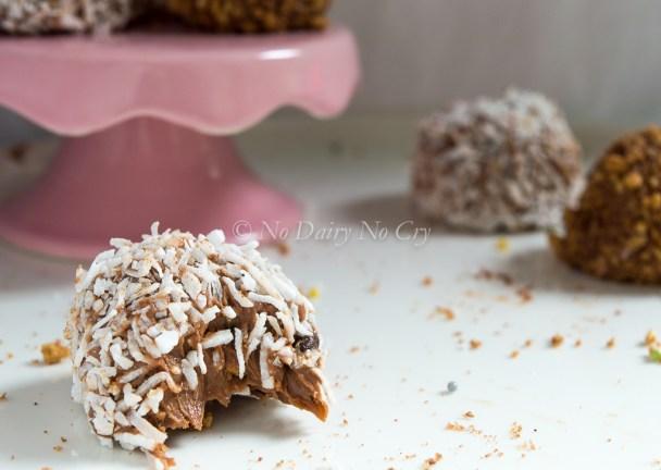 chocolate chip cheesecake truffles6
