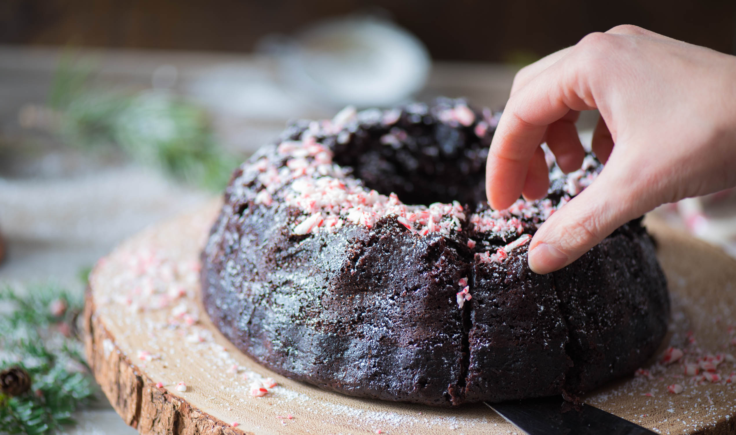 chocolate-peppermint-bunt-cake7a