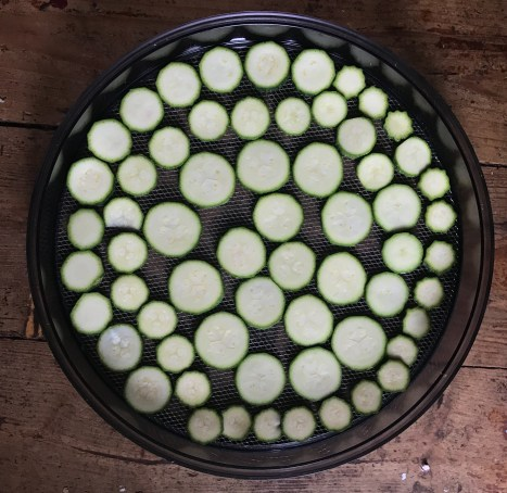 Preparing courgettes for dehydrating