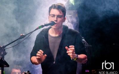Elliot Moss: Cada Canción tiene un Origen Distinto