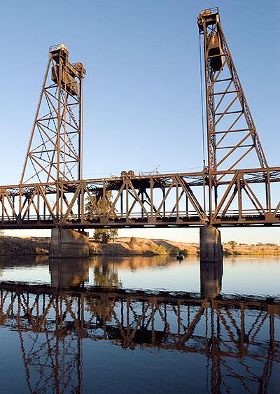 California Historical Landmark #437: Sailing Launch Comet ...