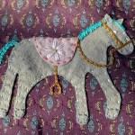 felt horse on messenger