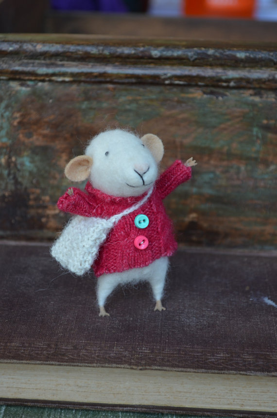 mouse with sweater