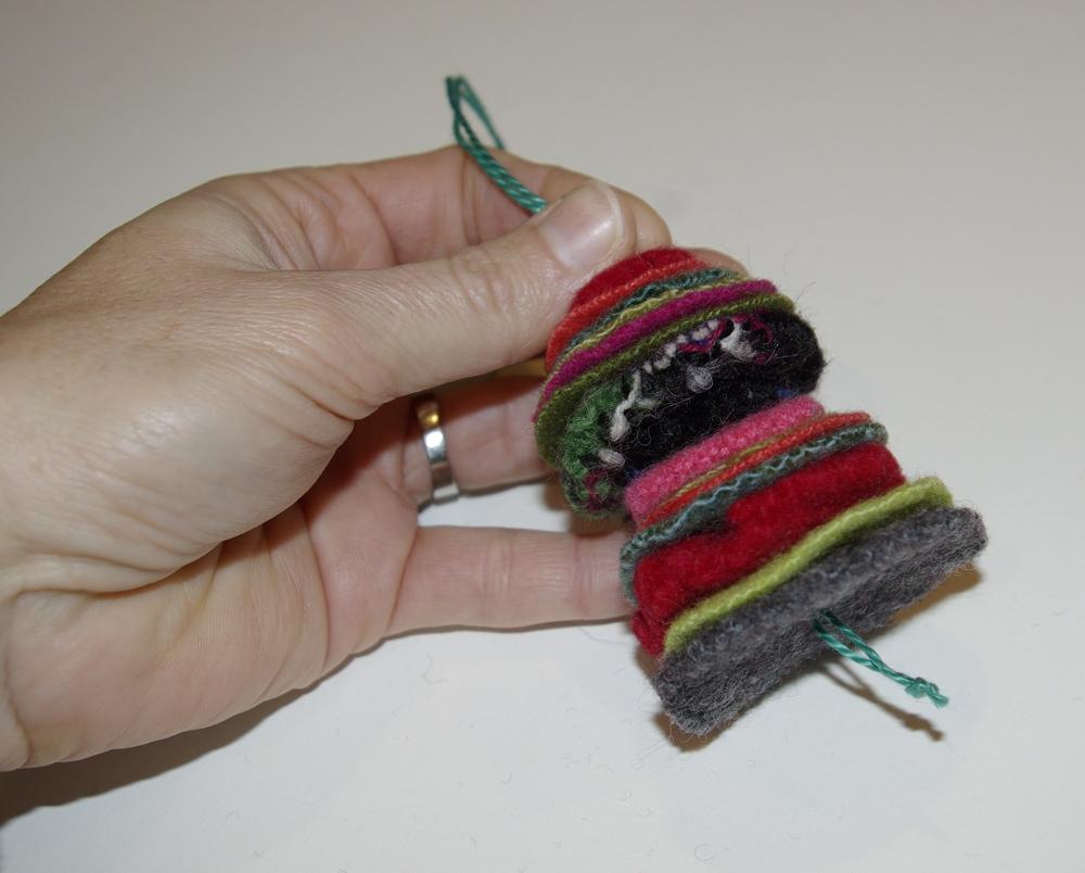 Wool felt ornaments - Leave