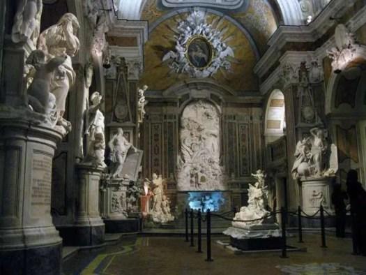 la navata interna della Cappella Sansevero colpisce subito agli occhi