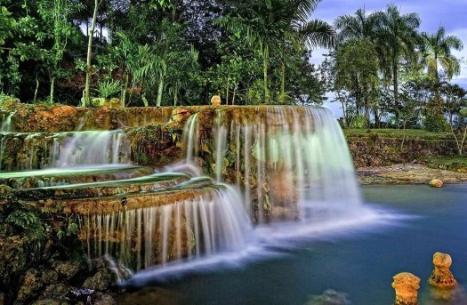 la piscina con cascate di Caño Hondo