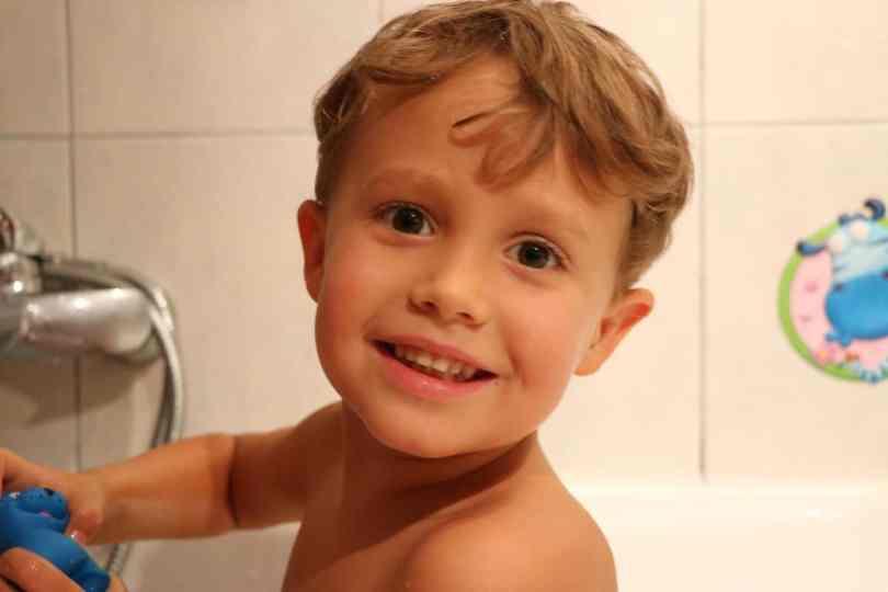 Jak oczyścić organizm z toksyn - oczyszczająca kąpiel dla dziecka