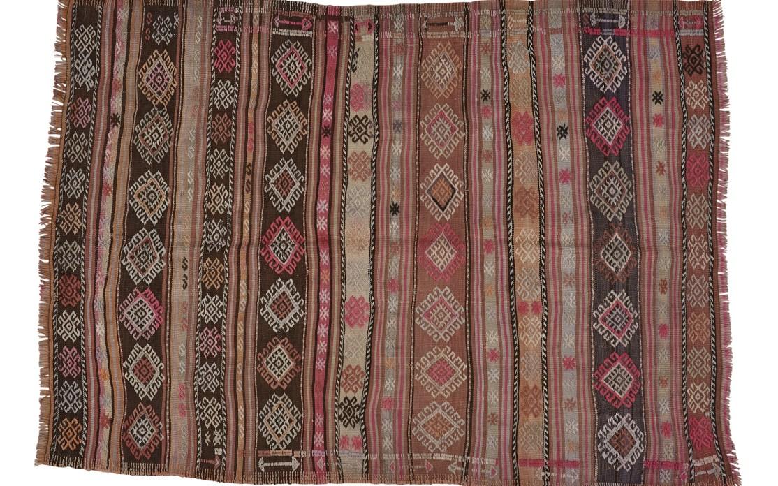 Mellem kelim tæppe fra Tyrkiet. Tæpper sælges i København