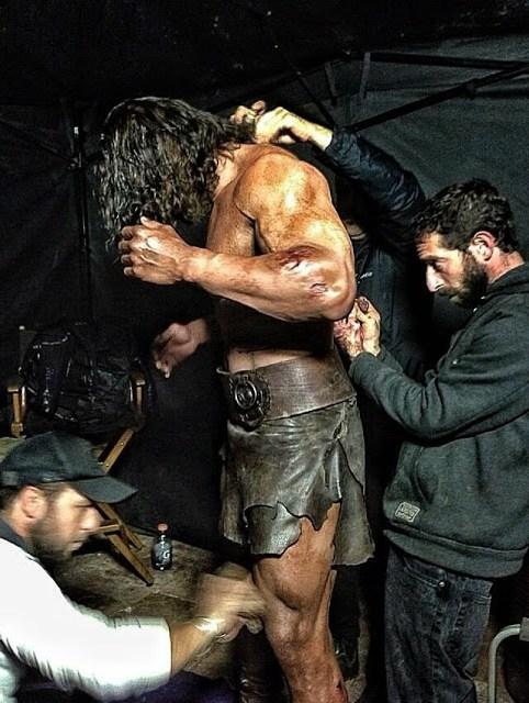 Nueva foto de Dwayne Johnson en el set de 'Hércules', y dejando claro que desea una pizza
