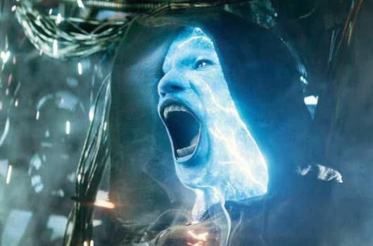 Así luce Spidey de bombero en las nuevas imágenes de 'The Amazing Spider-Man 2'