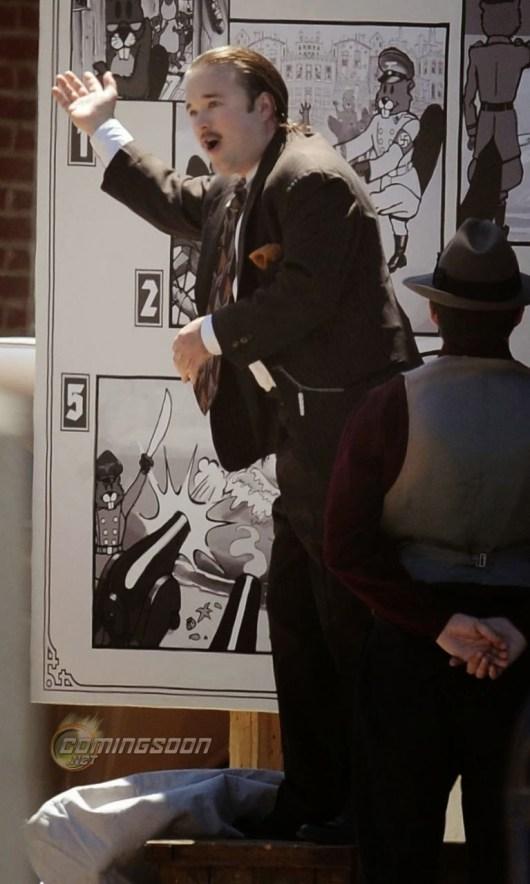 Haley Joel Osment parece haberse comido a si mismo en 'Yoga Hosers'