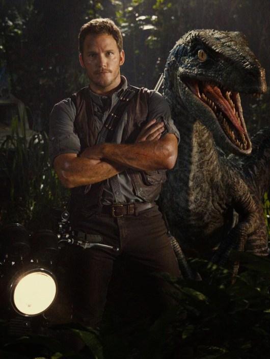 Nueva foto de 'Jurassic World ' con un posado de Chris Pratt y un raptor