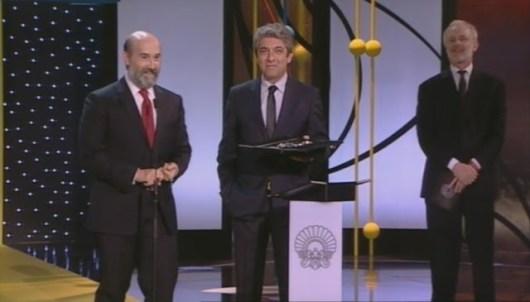 Javier Cámara y Ricardo Darín recogen la Concha de Plata