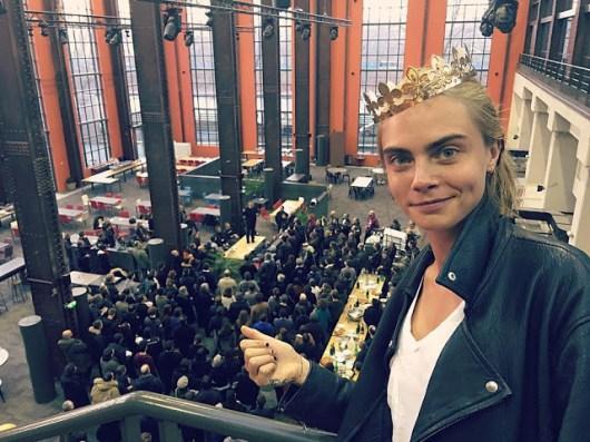 Foto de Cara Delevingne en el set de 'Valerian y la ciudad de los mil planetas' de Luc Besson