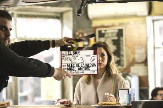 Primeras imágenes y vídeo de 'El bar', de Álex de la Iglesia