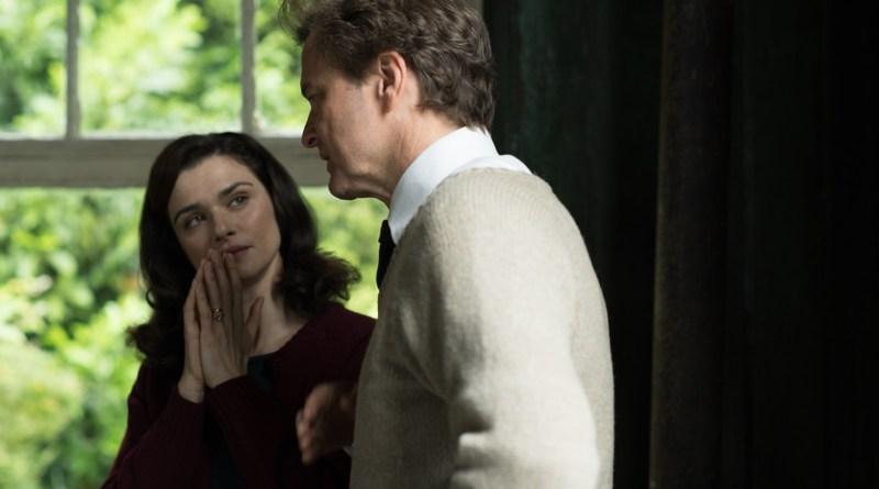'Un océano entre nosotros': Póster con Colin Firth y Rachel Weisz