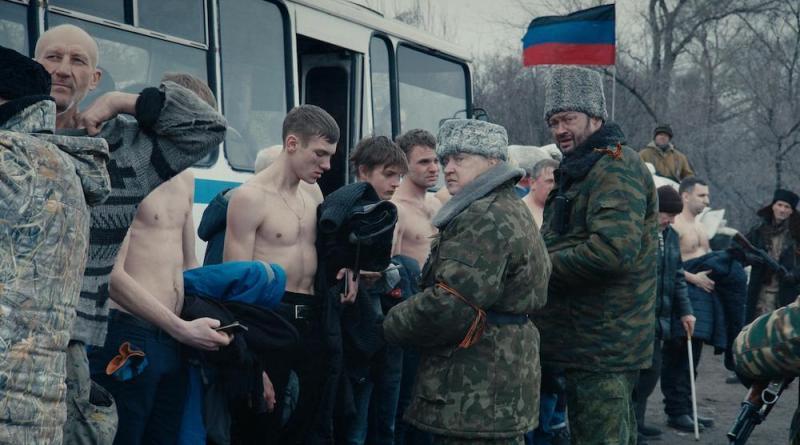 Donbass: Póster español de este retrato descarnado de la sociedad ucraniana