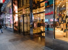 What would New York be without revolving doors?