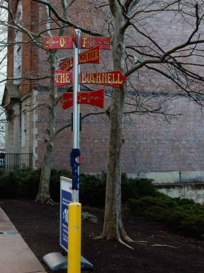 Directions to all the major theaters in Hartford.