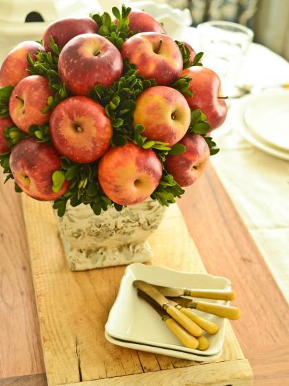 original_Marian-Parsons-Apple-Topiary-Beauty3_3x4.jpg.rend.hgtvcom.1280.1707