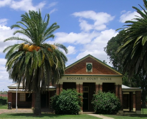 Boggabri Court House, NSW (source: Wikipedia photographer: Cgoodwin)