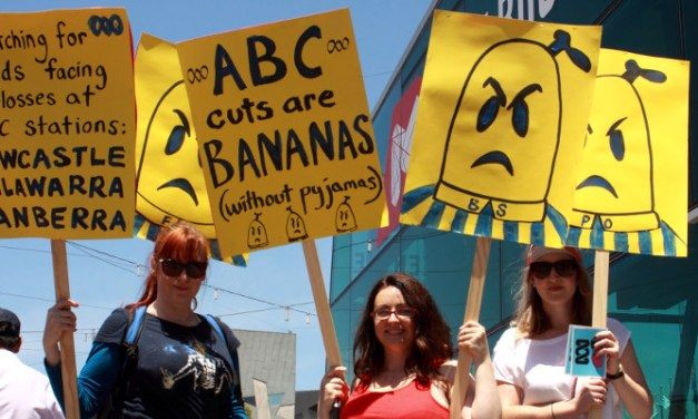 Melbourne #OurABC rally in pictures by @takvera and @Jansant