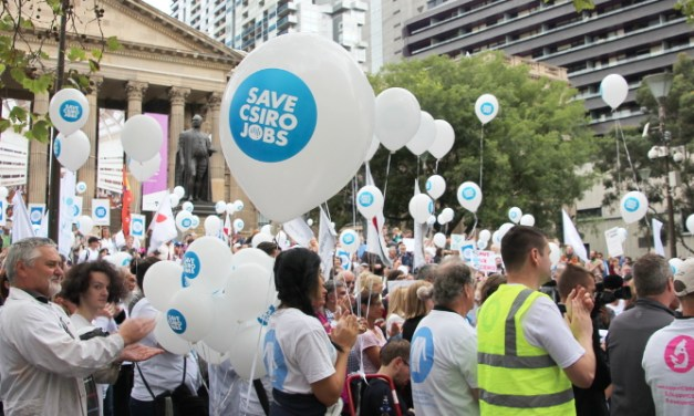 Photo Gallery: #CSIROcuts #SupportCSIRO rally in Melbourne photos by @takvera