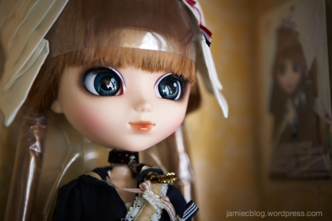 Close up of Pullip merl