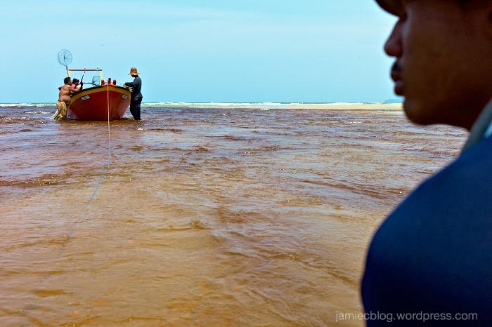 Leica M9, Jamie Chan, Travel, Malaysia, Fishermen, Ocean, Pahang, No Foreign Lands, Blogger