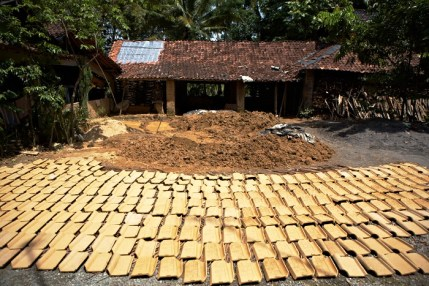 Clay, Sun Dry, Jogja, java, roof