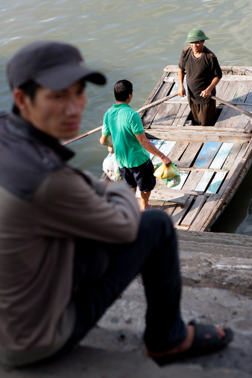 Bringing goods from one boat to another