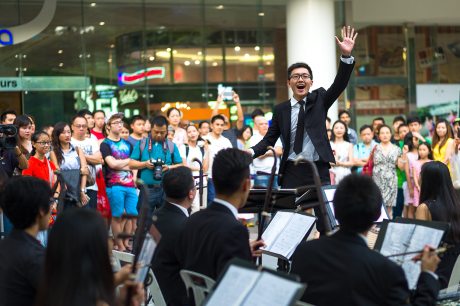 Tan Qing Lun, Conductor, Singapore Musician, Ding Yi Music Company, Chinese, conductor, Singapore, Orchestra, No foreign Lands