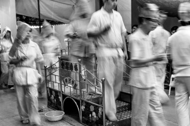 Chinese Funeral, Singapore, Traditional, Leica, black and white, movements, crossing the bridge