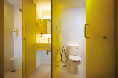 Resort World Genting, First World Hotel, Room, Singapore blogger, travel, Malaysia, Toilet