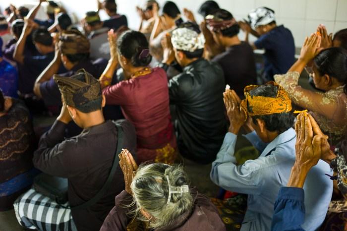 Indonesia, Bali, Ubud, Foundry 2015, Jamie Chan, No Foreign Lands, Leica, Prayer, ceremony
