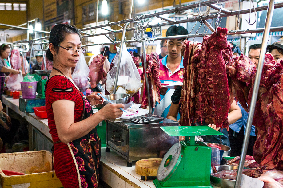 Bến Thành, Ho Chin minh, Street Photography, Leica, No Foreign Lands, Travel Blogger, Jamie Chan, Meat Seller