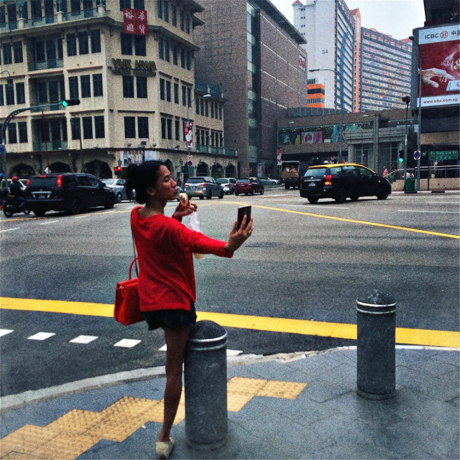 Street photography, No Foreign Lands, Iphone, Hipstamatic, Jamie Chan, Travel, Singapore, Selfie, Woman