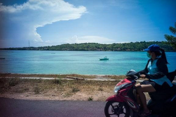 Lomography, New Russar+ Lens, Sandy Beach, Nusa Lembongan, Sea, Leica M-E, scooters