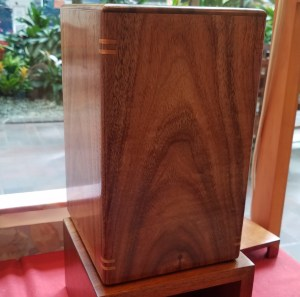 Large koa urn with splines