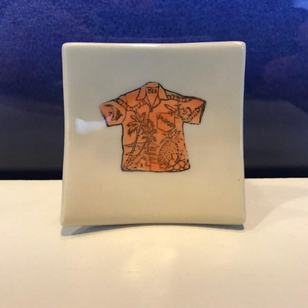 """Lorna Newlin Aloha Shirt Dish 2.5""""x2.5"""" (representative)"""