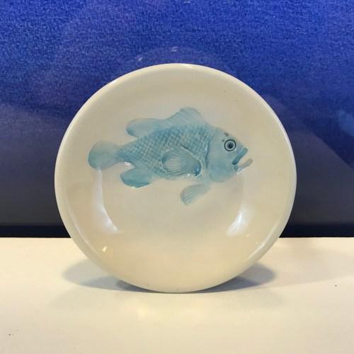 """Lorna Newlin Big Blue Fish Dish 4"""" Diameter (representative)"""