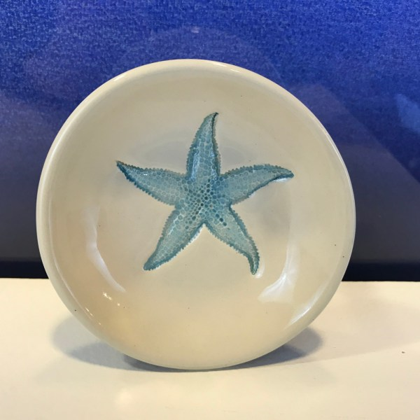 "Lorna Newlin Blue Starfish Dish 4"" Diameter (representative)"