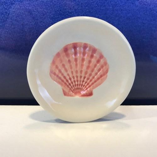 "Lorna Newlin Pink Shell Dish 3"" Diameter (representative)"
