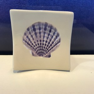 "Lorna Newlin Purple Shell Dish 2.5""x2.5"" (representative)"