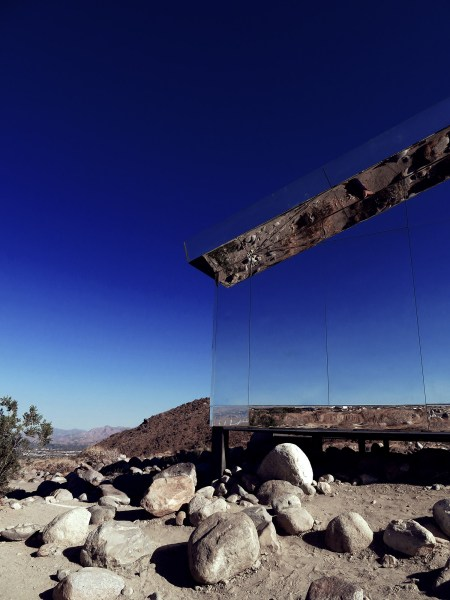 absorbing the landscape desert x mirage house in palm springs